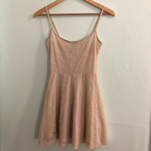 H&M Dresses & Skirts - H&M Lace Skater Dress